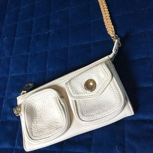 Marc Jacobs Bags - DAILY DEAL⚡️CREAM LEATHER MARC JACOBS CLUTCH